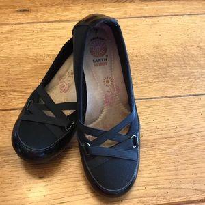 Earth Spirit black leather gel sole women's Sz 7